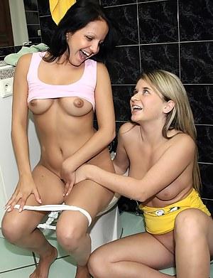 Lesbian Toilet Porn Pictures