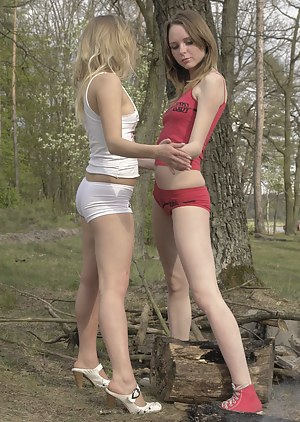 Young Lesbian Porn Pictures
