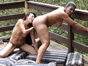 Ebony Lesbian Porn Pictures